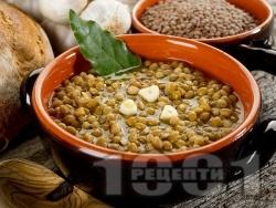 Икономична яхния от леща с чесън и чубрица - снимка на рецептата